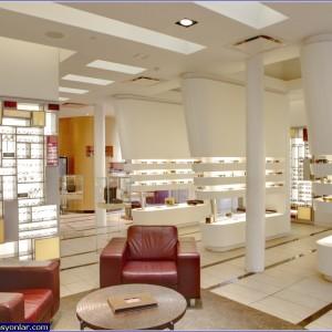 gözlük mağazası dekorasyonu örneği